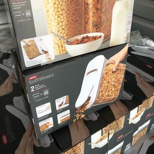 Oxo Kitchen - Oxo 2 piece Pop Cereal Dispenser Set-New